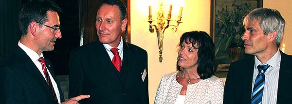 Foto (v.l.n.r.): Klaus-Hinrich Vater (Präsident der IHK zu Kiel), Prof. Thomas Jendrosch (FH Westküste), Stephanie Ladwig (Landrätin Kreis Plön), Uwe Hemens (Geschäftsführer der WFA Kreis Plön)