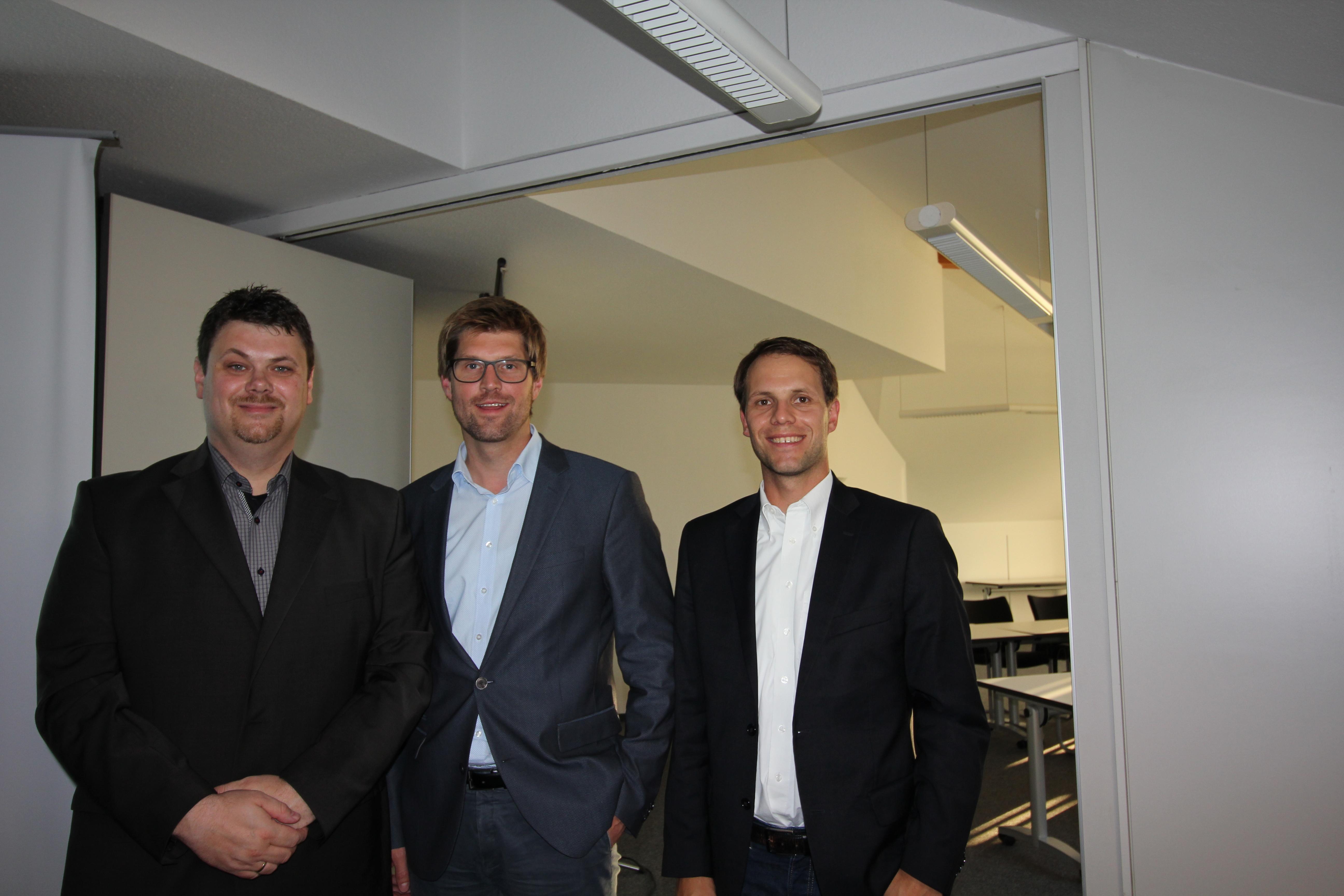 Referent und Gastgeber v.l.: Nikolaus Stapels (VdS Berater), Timm Stolley (Provinzial), Knut Voigt (WFA)