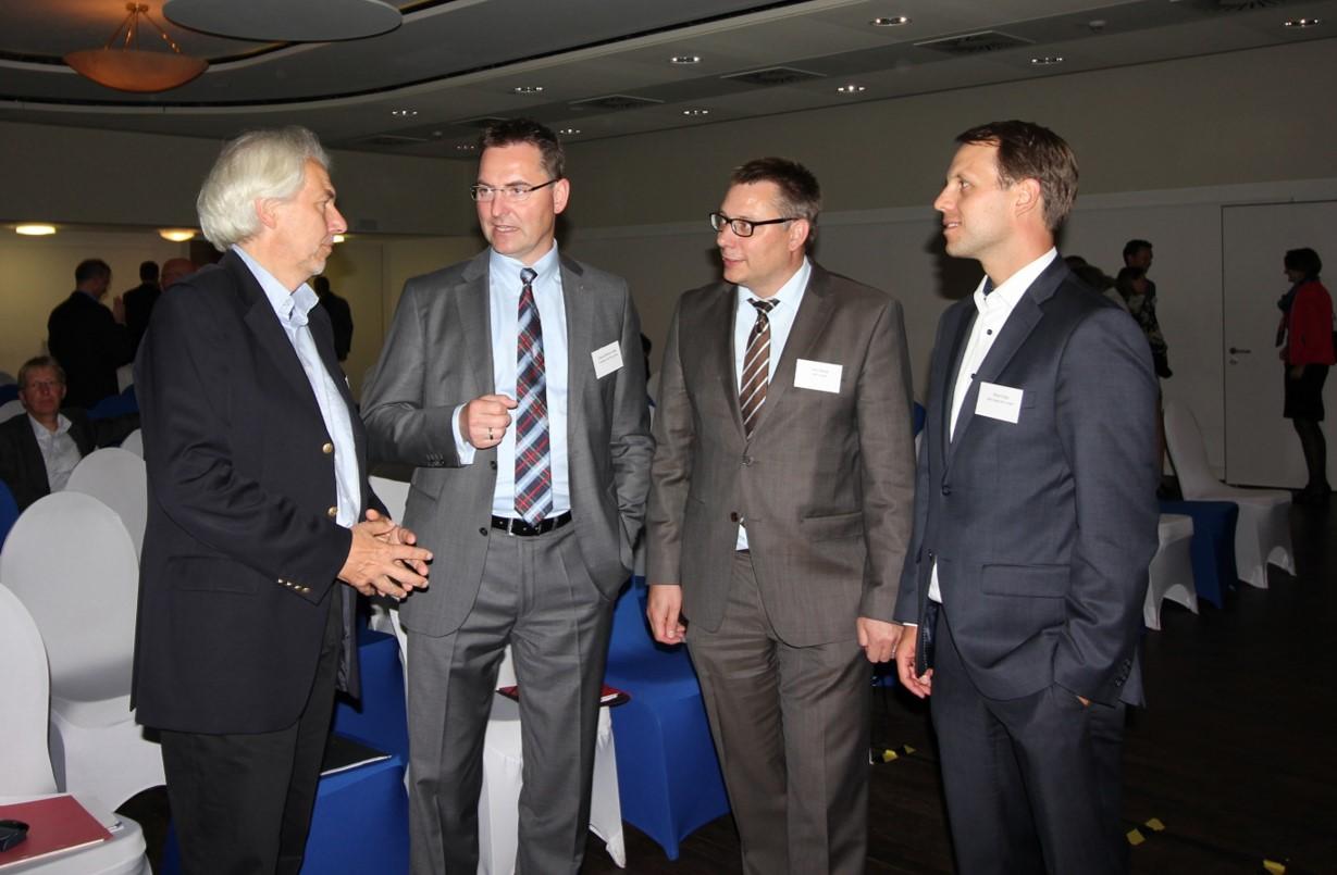 Die Referenten und Gastredner des Wirtschaftsforum Kreis Plön: von links - Prof. Winfried Krieger (Hochschule Flensburg), Konsul Klaus-Hinrich Vater (IHK), Jörn Meyer (IHK) und Knut Voigt (WFA)